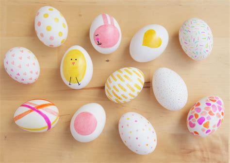 decorer les oeufs de paques 4 jolis tutos pour d 233 corer les œufs de p 226 ques