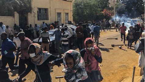 sudan security forces killing detaining protesters