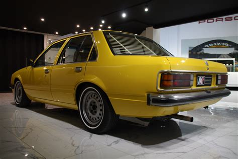 Holden VC Commodore - Mulsanne Classic Cars