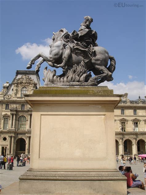 King Louis XIV equestrian statue at Musee du Louvre - Page 26