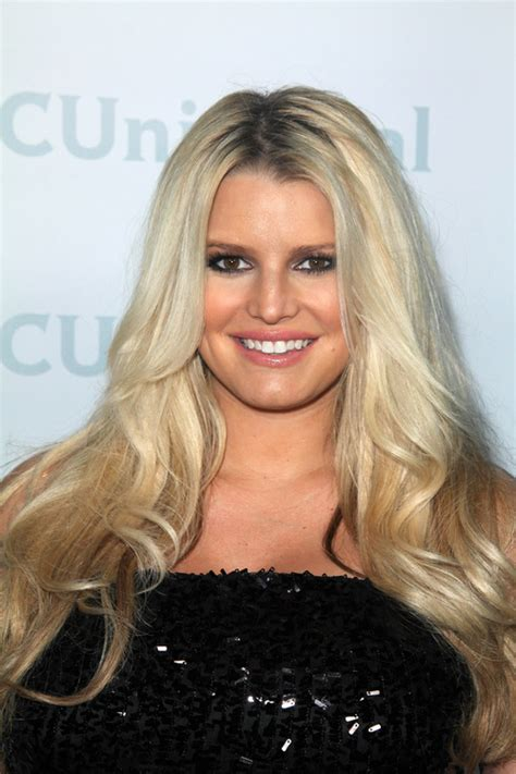 20 Long Hairstyles for Round Face Shape Hairstyles and