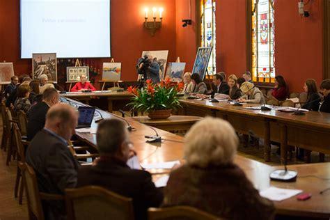 Publisko izdevumu un revīzijas komisijas sēde | 2014.gada ...