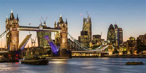 colours  london  night sussex scenes