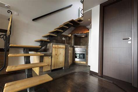 11 cuisines sous escalier la cuisine gain de place