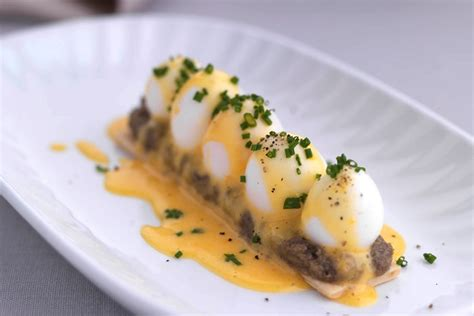 cuisine hollandaise quail eggs recipe with puff pastry hollandaise great