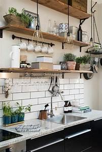 Küche Offene Regale : k chenfliesen machen das interieur lebendig ~ Markanthonyermac.com Haus und Dekorationen