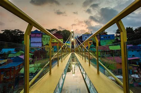 kampung warna warni jodipan  malang  punya jembatan