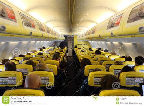 192 l int 233 rieur de de l avion de ryanair photographie 233 ditorial image 19170177