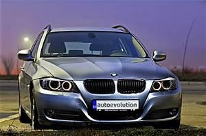 Bmw 320d Xdrive : bmw 320d xdrive touring review autoevolution ~ Gottalentnigeria.com Avis de Voitures