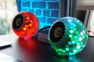 Engine Oil Light On Custom 3d Printed Speakers Give You An Audioreactive Led