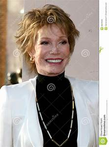 Mary Tyler Moore Editorial Stock Photo - Image: 30076333