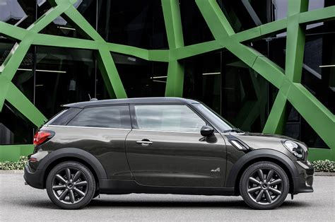 2018 Mini Paceman Side View Green Building Photo 9