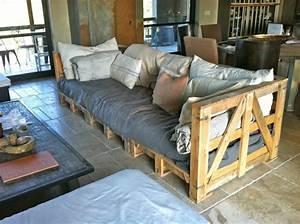 Couch Aus Paletten : europaletten im garten verwenden 25 thematische wohnideen f r sie ~ Whattoseeinmadrid.com Haus und Dekorationen