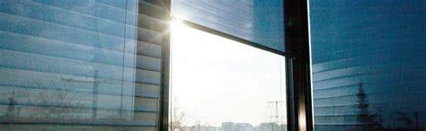 Dekorativ Und Praktisch Plissees Und Rollos Fuer Dachfenster by Stoffrollos F 252 R Fenster Raffrollos Faltrollos Einfach