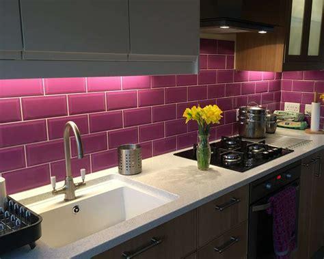9 Striking Kitchen Splashback Ideas from Customers   Walls