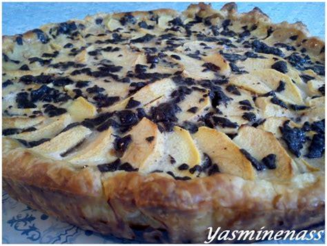 dessert aux pommes et chocolat tarte aux pommes noix et copeaux de chocolat