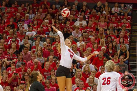 Volleyball 3 Huskers Perfect In Land Of Lincoln Corn