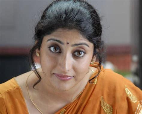 Hot Indian Aunties Photos Saree Pics Aunty Photos