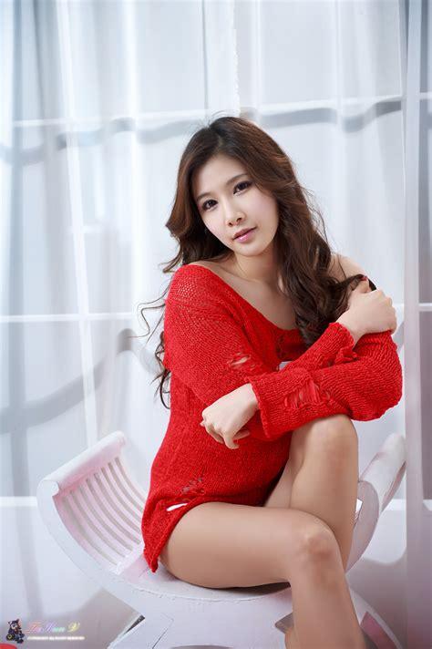 Xxx Nude Girls Hwang Ga Hi In Hot Red