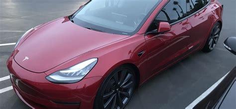 View Hvg Tesla 3 Baleset Background
