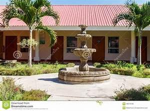 Grande Fontaine D Intérieur : grande fontaine dans un jardin photo stock image 48376185 ~ Premium-room.com Idées de Décoration