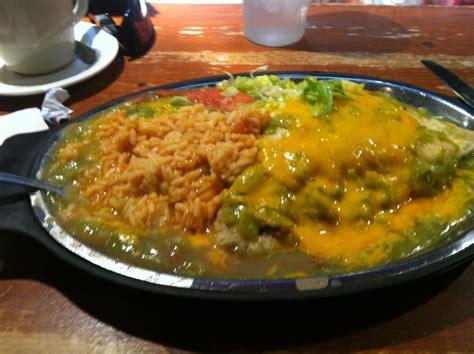 green chili stuffed sopapilla  mexico green chili