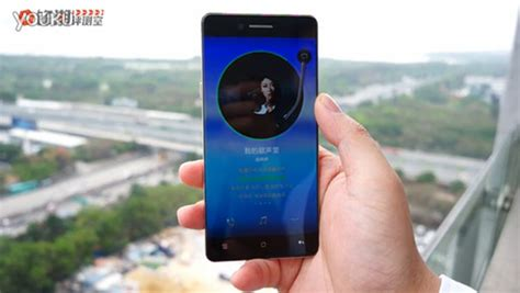 leaked shows the bezelless oppo r7 in