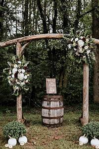 20 outdoor fall wedding arches for 2020 roses rings