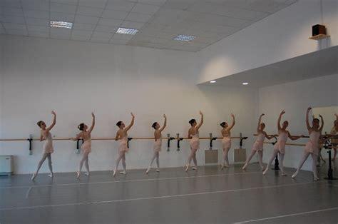 ripartono i corsi dell accademia di danza la maison de la danse