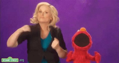 amy poehler gif amy poehler gif amy poehler elmo discover share gifs
