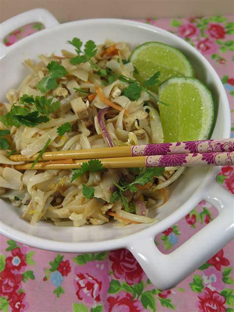 cuisine thailandaise recettes la recette du pad thaï un classique de la cuisine