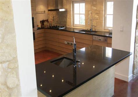 plan de cuisine moderne avec ilot central cuisine moderne noir et violet