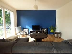 salon bleu vallin architecte With quel mur peindre en fonce 18 comment associer la couleur gris en decoration deco cool