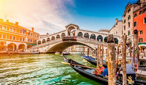 grandes cantidades de turistas ponen en peligro la emblem 225 tica ciudad de venecia grandes cantidades de turistas ponen en peligro la emblem 225 tica ciudad de venecia