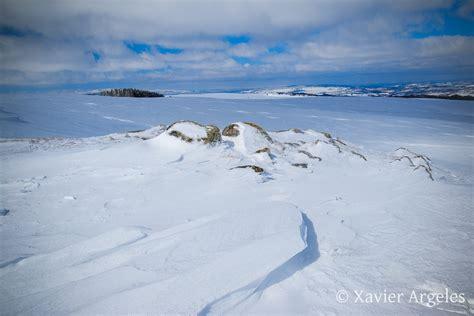 chalets de l aubrac randonn 233 e dans la neige en aubrac xavier argeles photographies