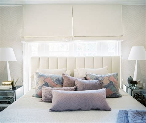 White Accent Pillows For Bed by Ways To Arrange Bed Pillows Photos 15 Of 57