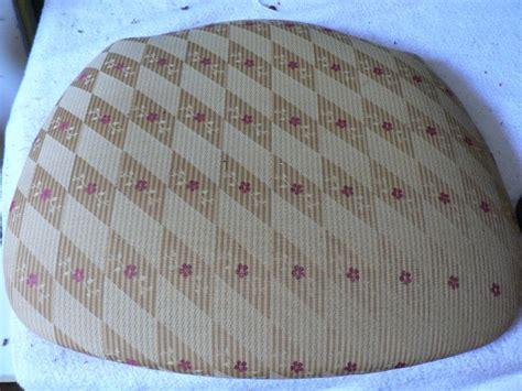 tapisser une chaise en tissu comment changer le tissu d 39 une chaise quot côté sièges