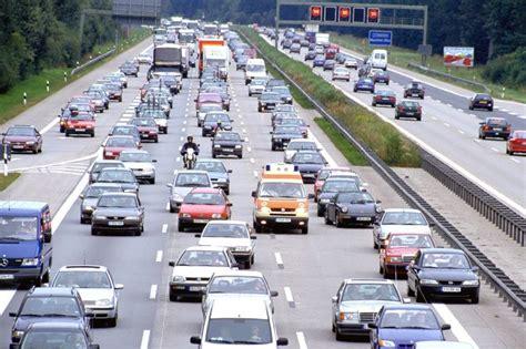 auto langzeitmiete adac eu kommission soll hart bleiben adac unterst 252 tzt co2 ziele der eu firmenauto