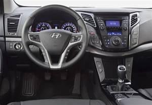 Hyundai I40 Pack Premium : fiche technique hyundai i40 1 7 crdi 136 pack premium limited ba 2011 ~ Medecine-chirurgie-esthetiques.com Avis de Voitures