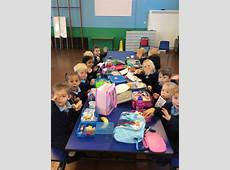 Lunch in the dinner hall – Lickey Hills Primary School