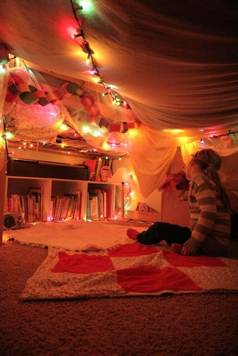 clubhouse sleepover fort blanket fort cool forts