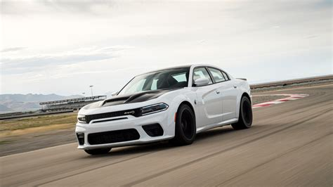 dodge charger hellcat redeye  hp     quarter mile stock  drive