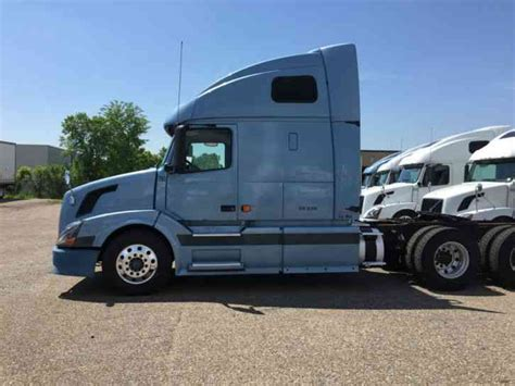 2006 volvo semi truck for sale volvo 670 2006 sleeper semi trucks