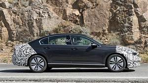 Volkswagen Passat Gte : 2019 volkswagen passat gte plug in hybrid spied ~ Medecine-chirurgie-esthetiques.com Avis de Voitures