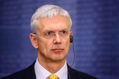 Svētdienas vakarā Ministru prezidents Krišjānis Kariņš ...