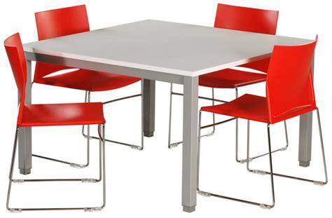 location bureau à l heure table de réunion carrée plateau blanc piétement alu