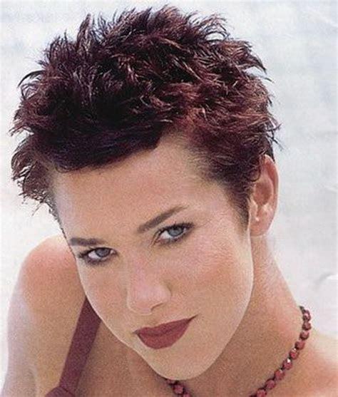 coiffure femme tres courte