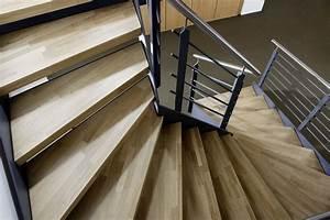 Stahltreppe Mit Holzstufen : treppenstufen holz dekorieren bei das haus ~ Orissabook.com Haus und Dekorationen