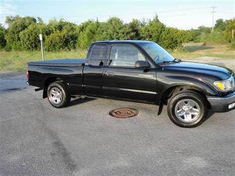 toyota tacoma 2 door find used 2002 toyota tacoma dlx extended cab 2