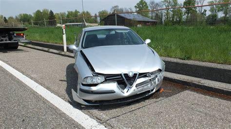 Jun 22, 2021 · drei fahrzeuge in unfall verwickelt auf der a13 bei ruhland hat gestern abend ein lkw einen teil seiner ladung verloren und damit einen verkehrsunfall ausgelöst. Spektakulärer Unfall auf Autobahn A13 - FM1Today